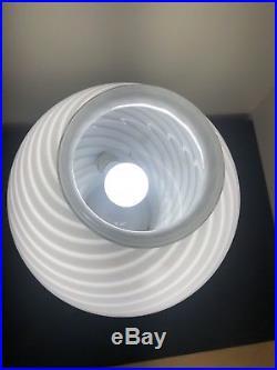 MID CENTURY MODERN VETRI Murano Italy SWIRL WHITE GLASS MUSHROOM TABLE LAMP 15