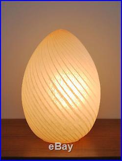 Mid Century modern Hollywood Regency Vetri Murano Italy art glass egg table Lamp