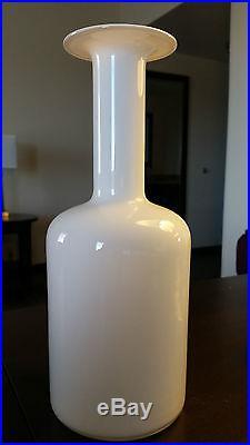 Otto BRAUER WHITE Cased Gul Vase Mid Century Modern Danish, 12 Tall