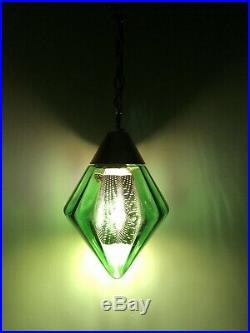 VINTAGE MID CENTURY RETRO GREEN GLASS HANGING SWAG LAMP LIGHT w BRASS DIFFUSER