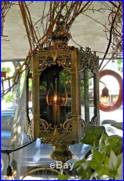 VTG Mid Century Gothic Spanish/Tudor Swag Hollywood Regency Lamp Glass Brass