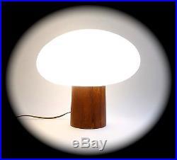 Vintage Laurel Lamp Co. MID Century Mushroom Table Lamp With Milk Glass Globe